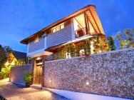 Villa Bukit Lembongan gardens