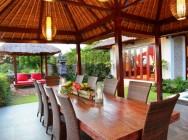 Villa Bukit Lembongan dining