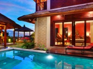 Villa Bukit Lemongan pool